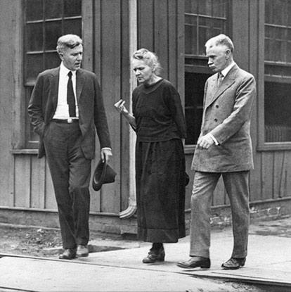 Marie Curie en una visita a los Estados Unidos