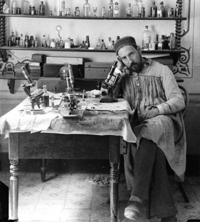 Ramón y Cajal en un laboratorio