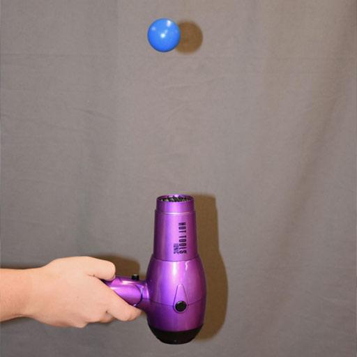 Secador de pelo y pelota de ping pong